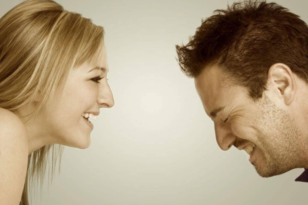 w-naszej-klinice-stomatologicznej-w-poznaniu-skupiamy-sie-na-zdrowiu-i-estetyce-powszechnej-w-stomatologii-estetycznej